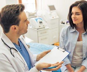Frauen beim Arzt