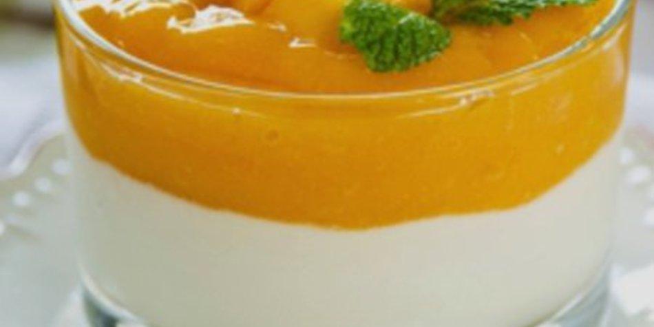 Mangosorbet mit Sahne aus VERPOORTEN ORIGINAL Eierlikör