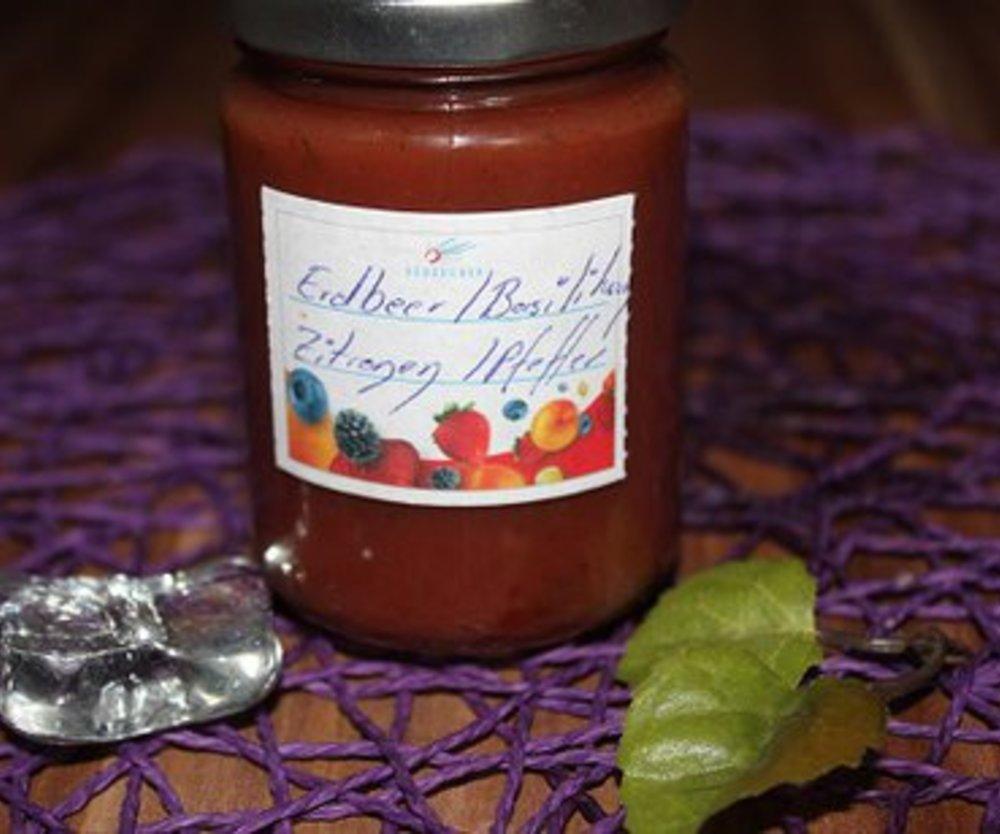 Erdbeer-Basilikum-Zitronen-Pfeffer-Marmelade