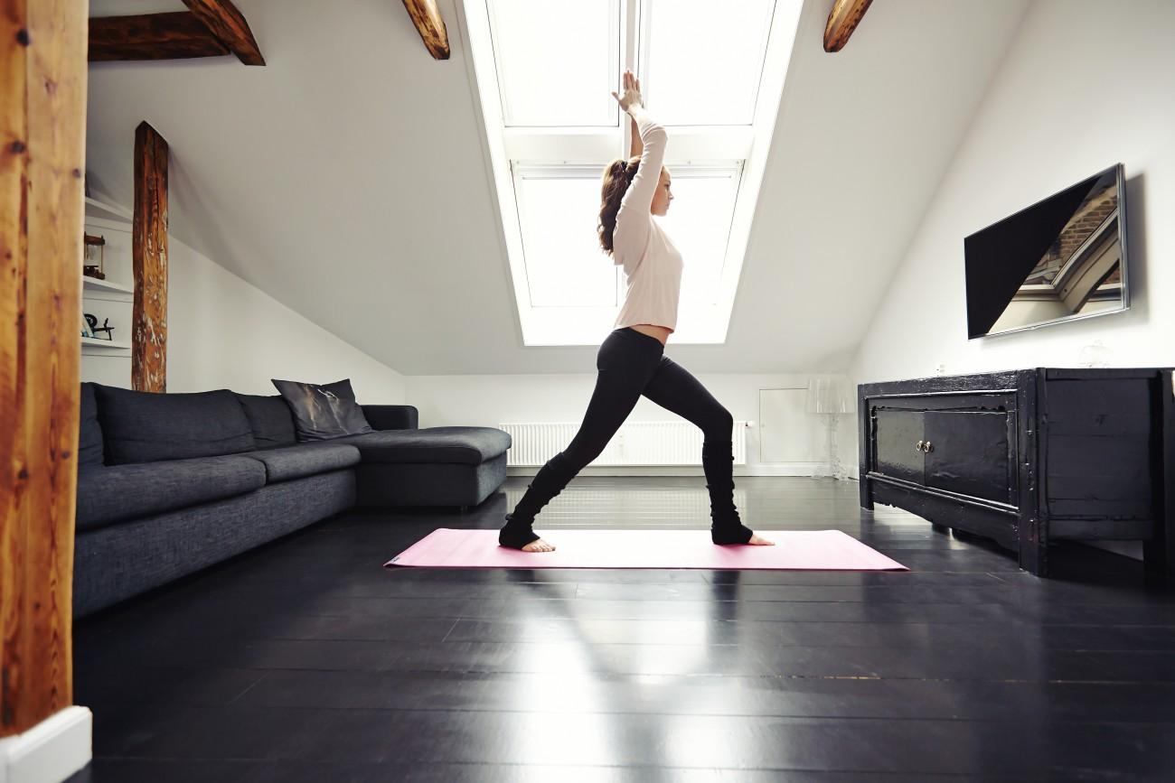 10 Minuten Workout: 5 Yoga-Übungen für Zuhause | desired.de