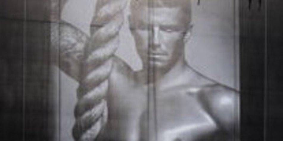 David Beckham modelt für Armani