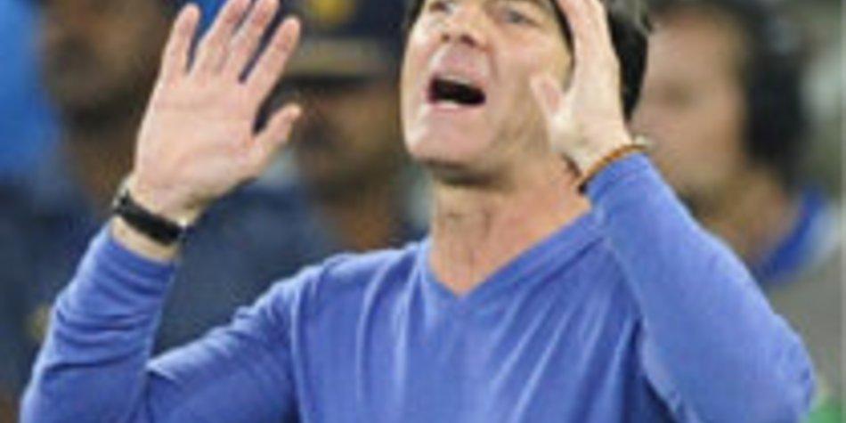 WM 2010: Bleibt Jogi Löw Bundestrainer?