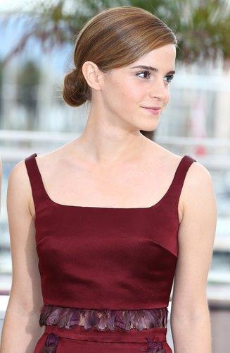 Emma Watson mit tiefem Knoten