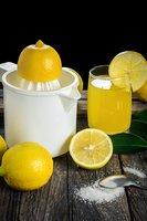 Haare mit Zitronensaft färben