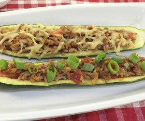Gefüllte Zucchini mit Hackfleisch