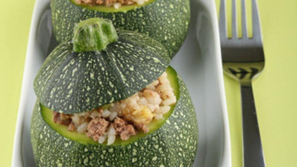 Gefüllte Zucchini mit Reis und Hackfleisch