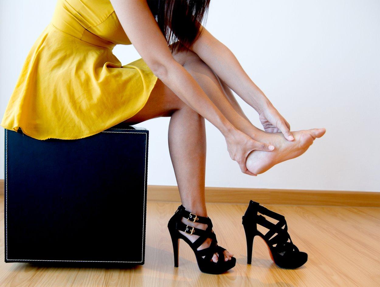 Schmerzen beim Tragen von High Heels