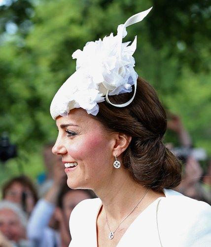 Kate Middleton: Hochsteckfrisur mit Fascinator