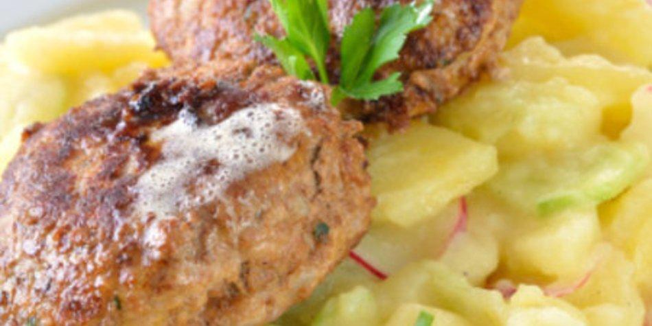 Kartoffelsalat mit Brühe