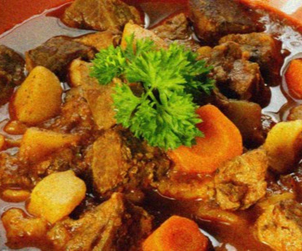 Gulaschsuppe mit Kartoffeln