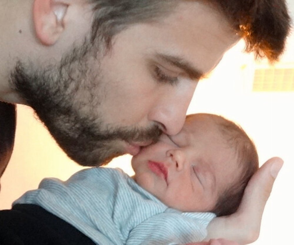 Shakira und Gerard Pique veröffentlichen erstes Babyfoto