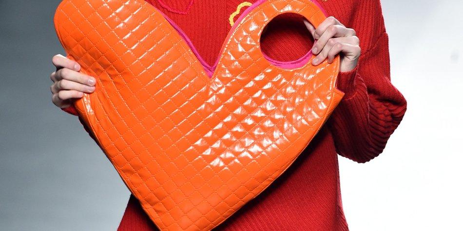 Prada Herz Handtasche