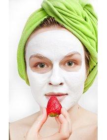 Man kann wunderbare Gesichtsmasken aus Lebenstmitteln herstellen.