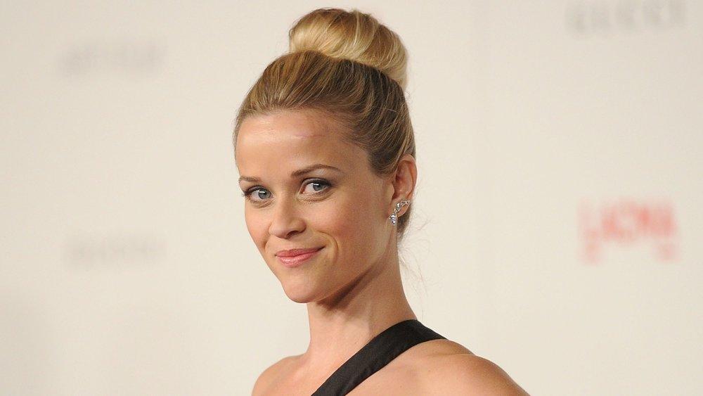 Reese Witherspoon mit Duttkissen
