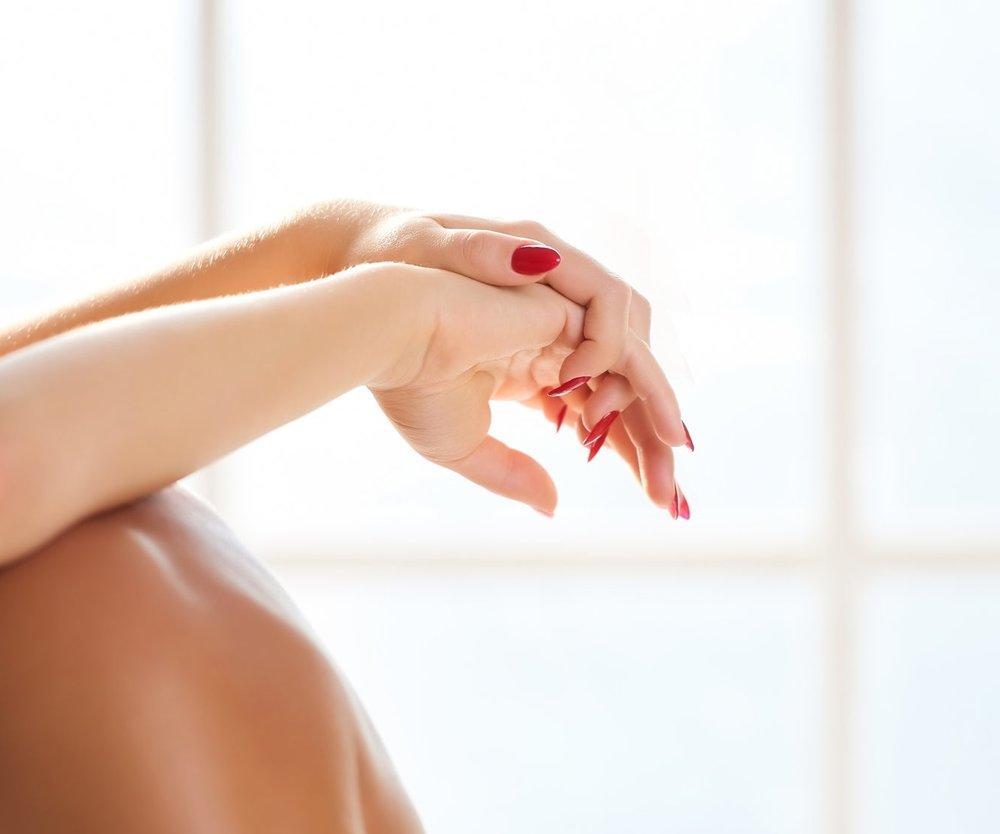 Ein Sextoyhersteller hat die Sex-Trends 2018 ermittelt. Du willst mal etwas Neues im Bett ausprobieren? Dann solltest du sie dir ansehen...! ;-)