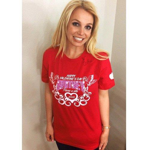 Britney Spears macht Werbung für den Valentinstag