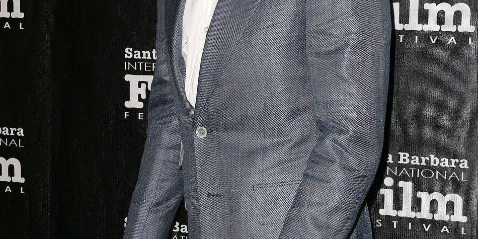 Bradley Cooper schockt mit fünf Nippeln