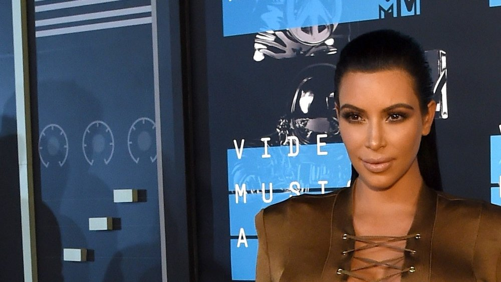 LOS ANGELES, CA - AUGUST 30:  TV personality Kim Kardashian attends the 2015 MTV Video Music Awards at Microsoft Theater on August 30, 2015 in Los Angeles, California.  (Photo by Larry Busacca/Getty Images)