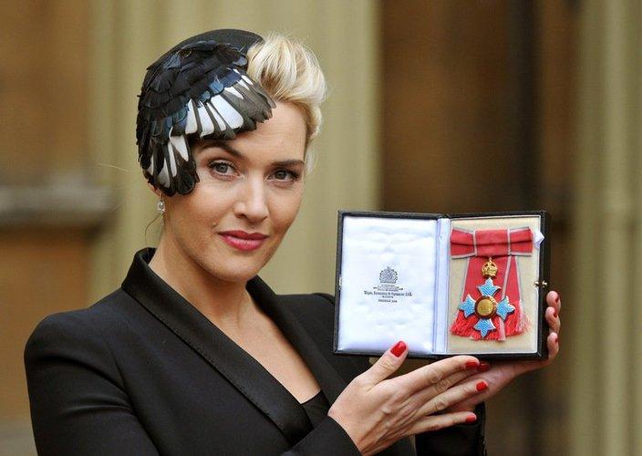 Kate Winslet mit Orden