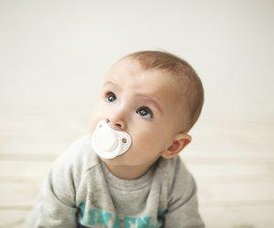 Um Deinem Baby den Schnuller abzugewöhnen, solltest Du viel Geduld mitbringen.