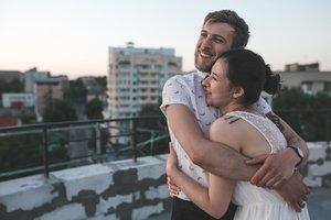 Glückliche Paare sorgen sich nicht um die Zukunft.