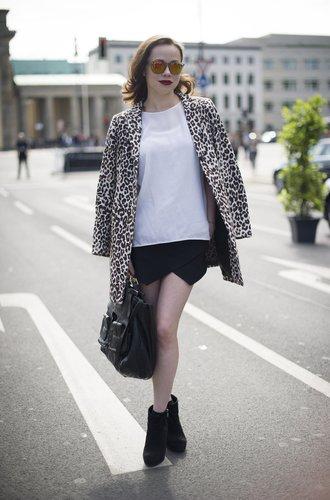 Eine Besucherin der Berlin Fashion Week