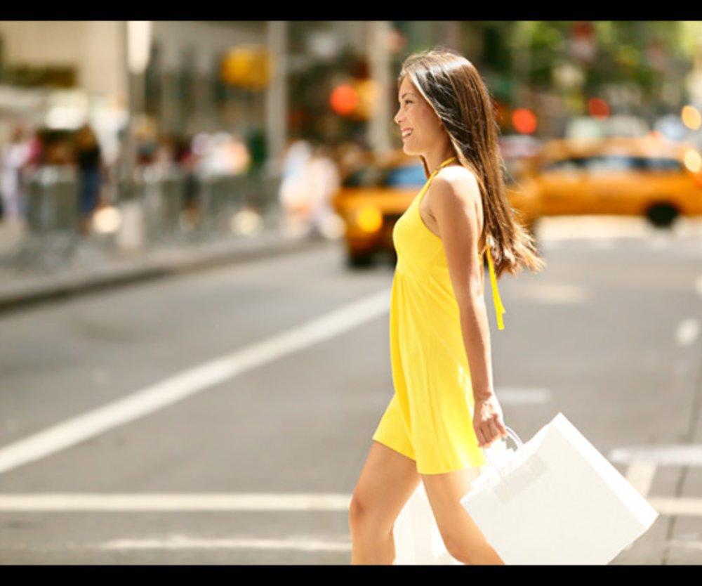 Frau mit Shopping-Bag