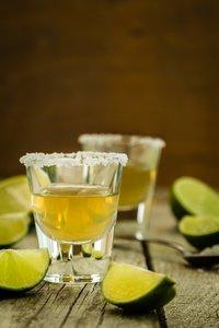Trinkspiele ab 18 Body Tequila