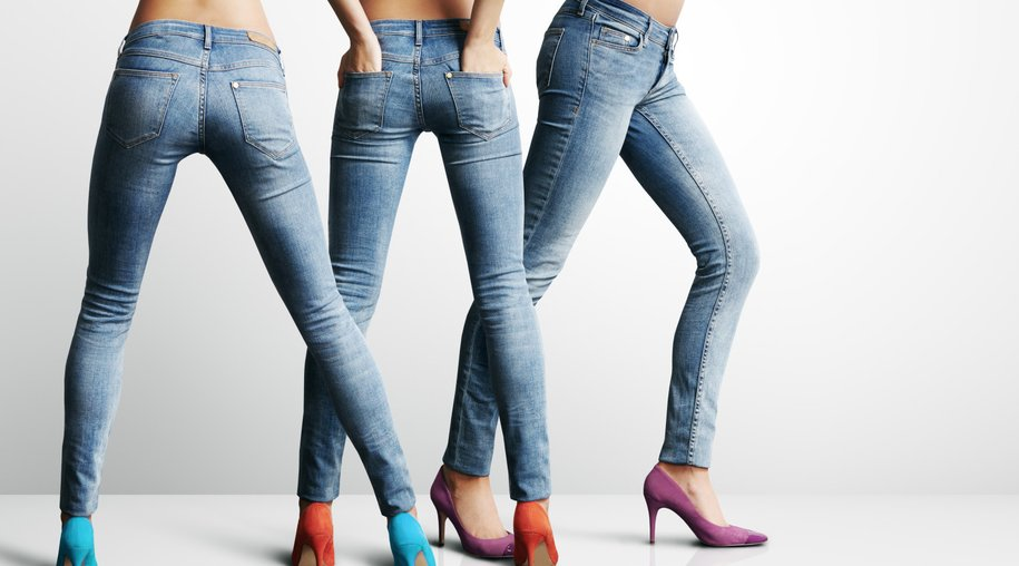 3 woman in the same jeans showing ideal body