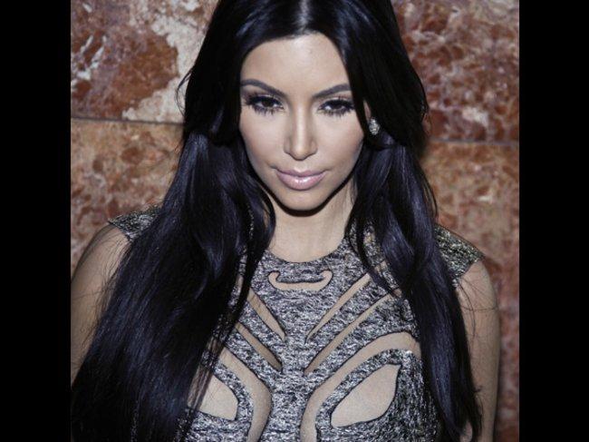 Kim Kardashian mit langer Mähne