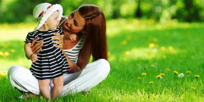 Elternzeit: Mutter mit Kind