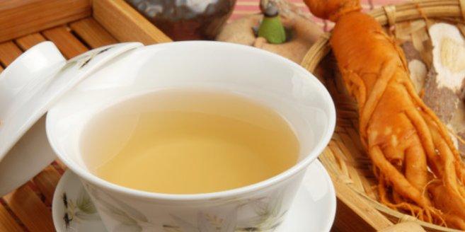 Ginsengwurzel: Tasse mit Tee