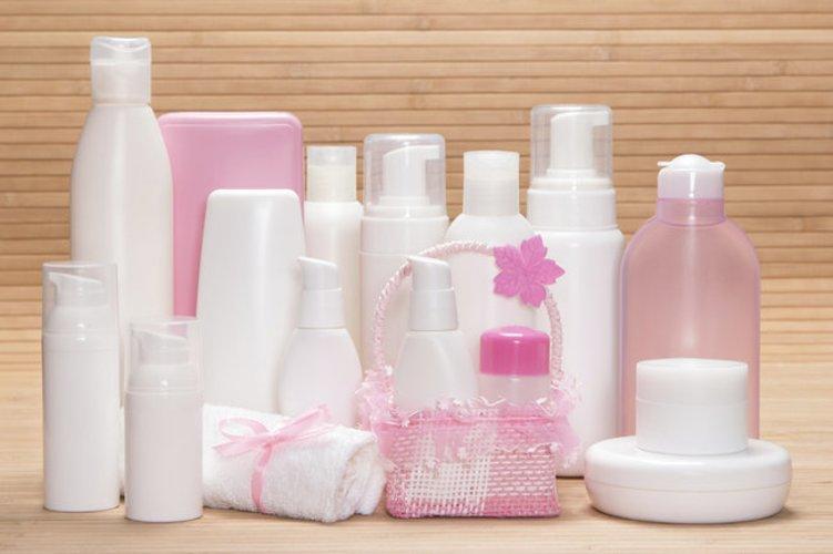 Verschiedene Abschmink-Produkte