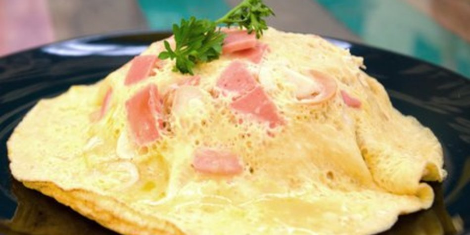 Eierpfannkuchen mit Speck