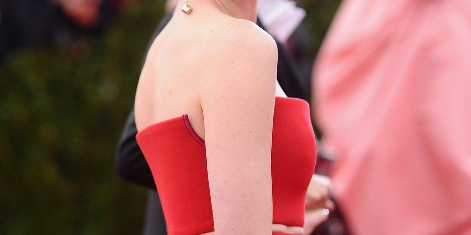Anne Hathaway macht sich optisch gut als Mama