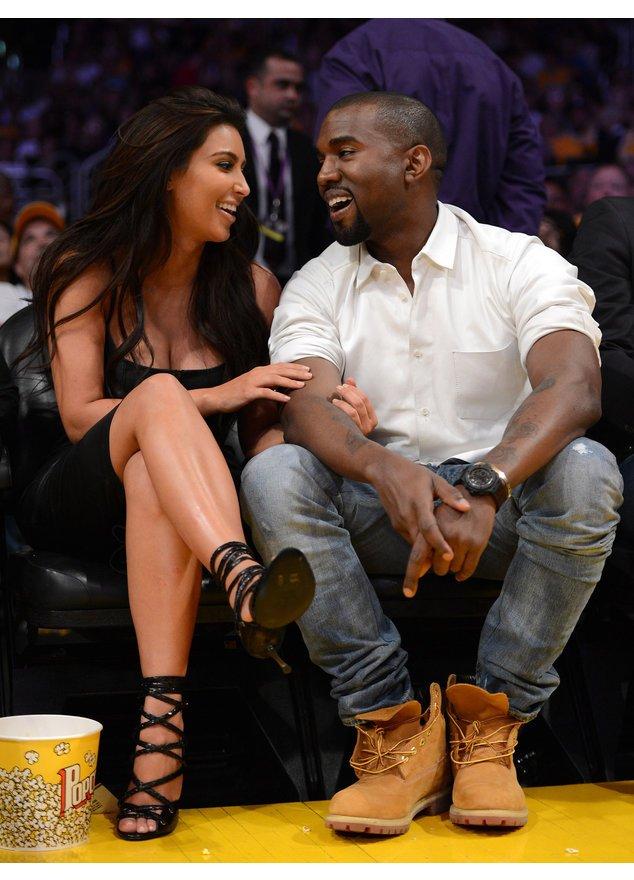 Kim Kardashian und ihr Freund Kanye West sind bei einem Spiel der Los Angeles Lakers