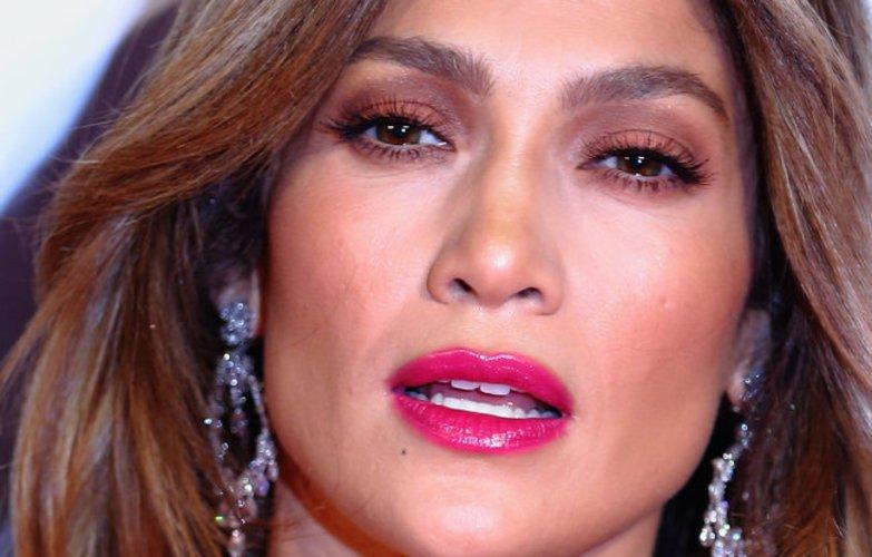Jennifer Lopez mit tollen Fake Lashes