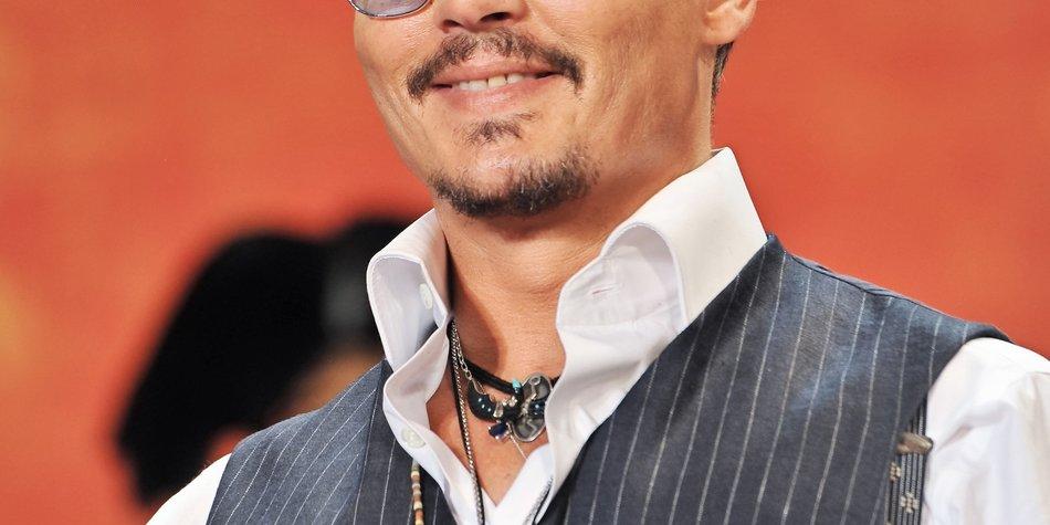 Johnny Depp ist ein stolzer Indianer!