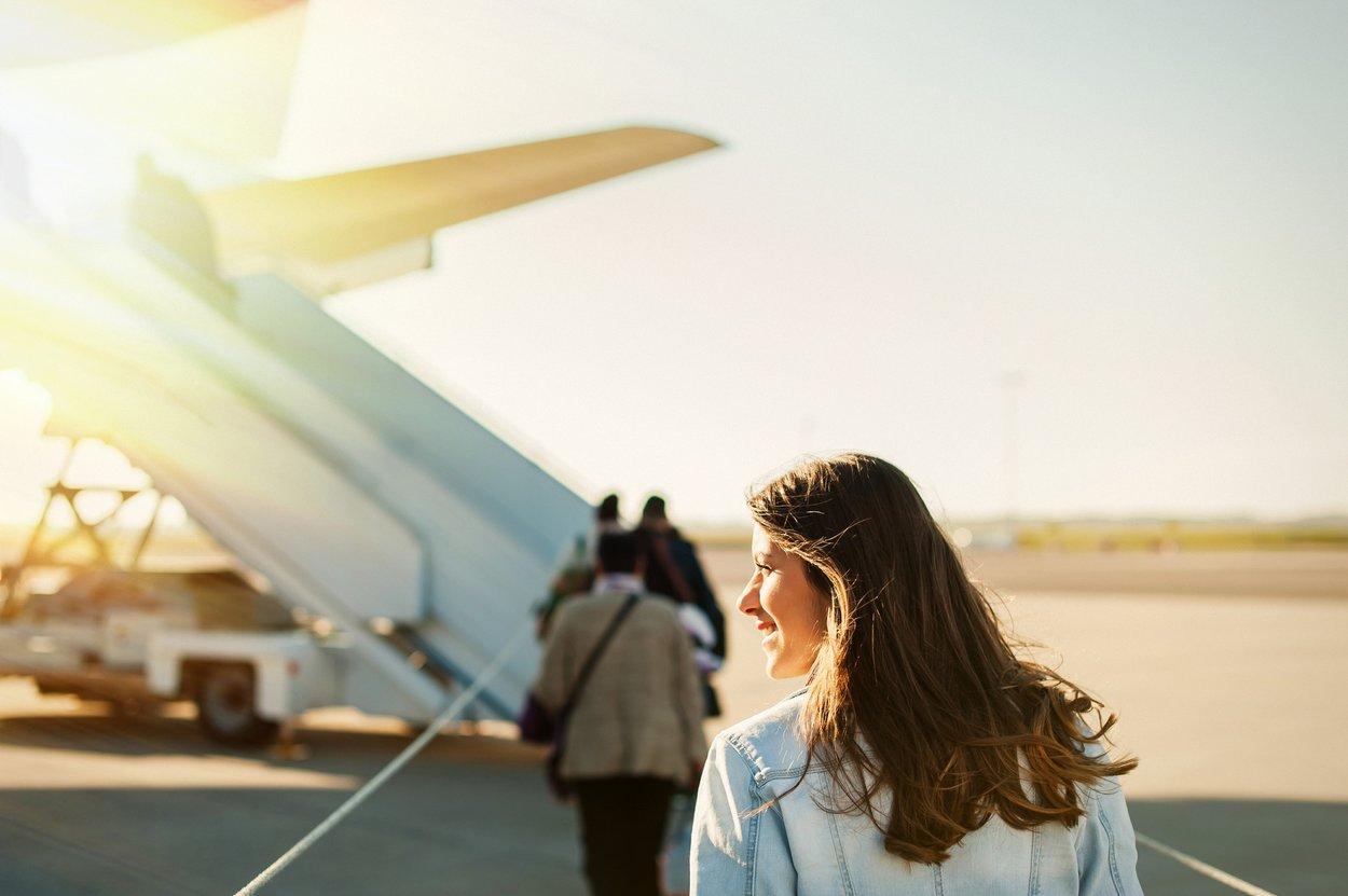 Flugzeug Frau