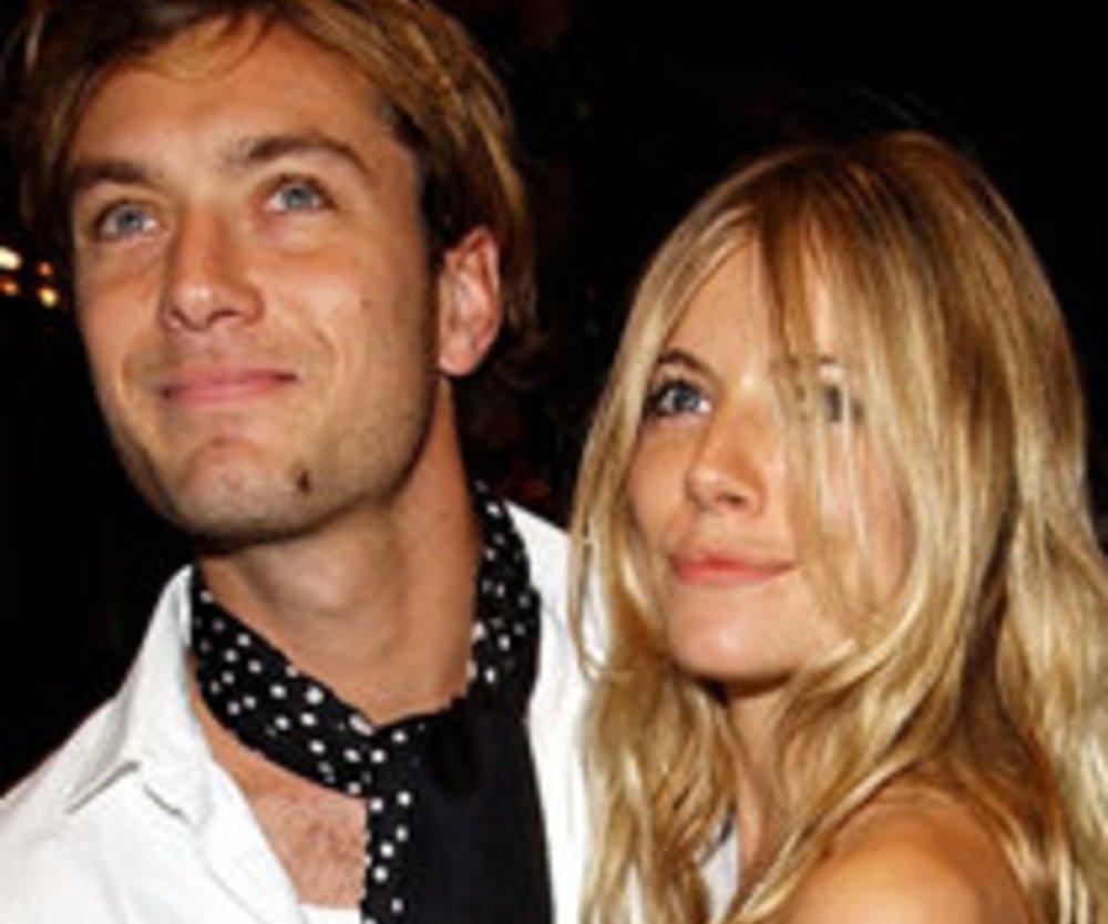 """Jude Law und Sienna Miller: """"Hippie""""-Hochzeit im Sommer?"""