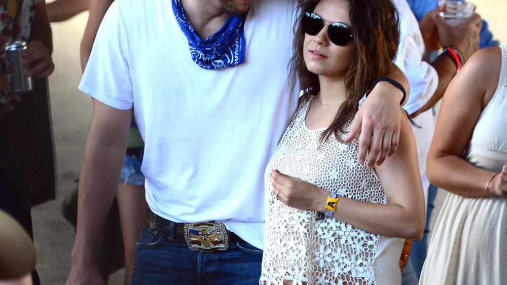 Ashton Kutcher und Mila Kunis flittern im Campingwagen