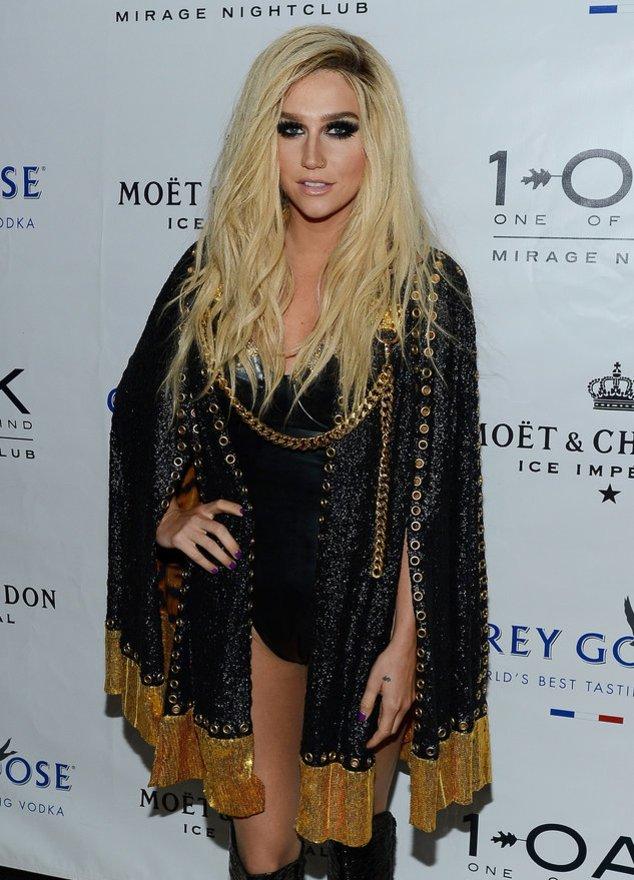 Kesha auf dem roten Teppich