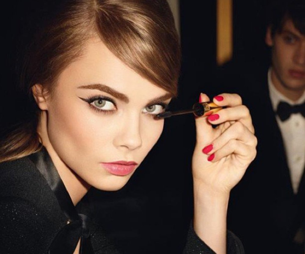 Cara Delevingne im Sixties-Look für Yves Saint Laurent