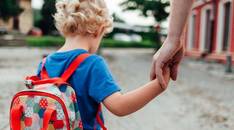 Deswegen tragen viele kindern Symbole an ihren Armen