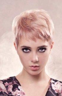 Blonder Pixie