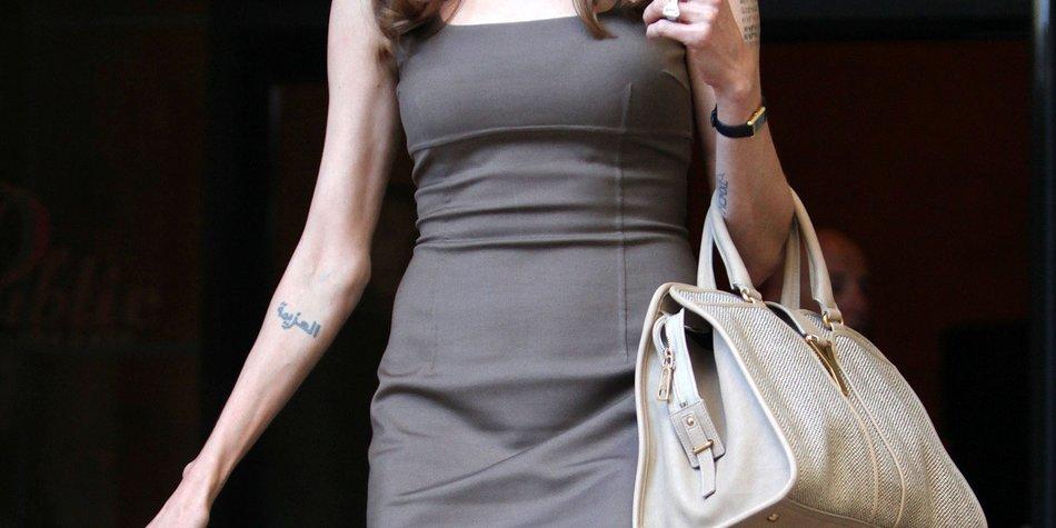 Angelina Jolie: Oben-Ohne-Foto unterm Hammer