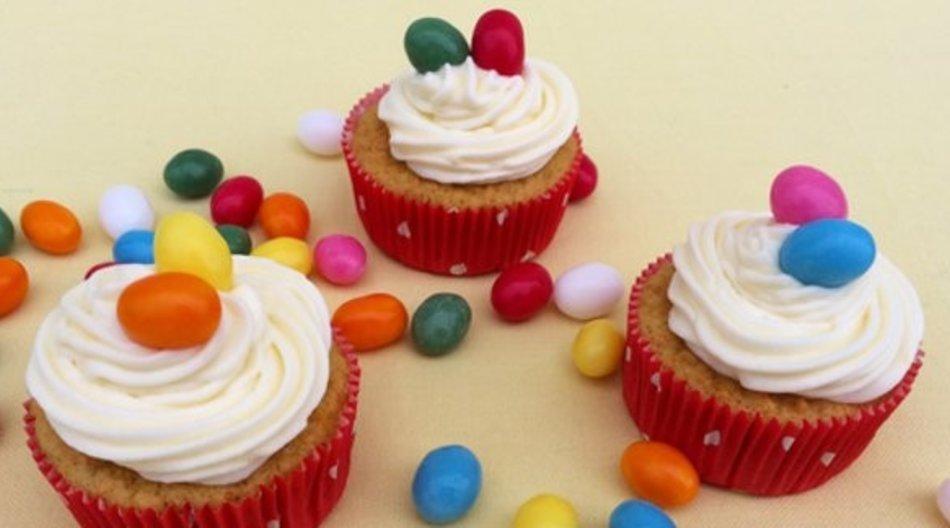 Kunterbunte Oster-Cupcakes