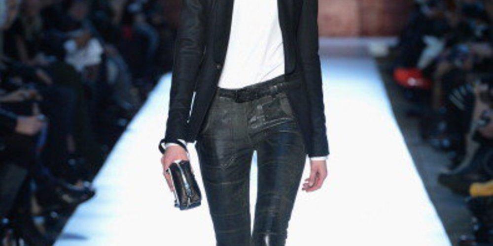 Diesel Black Gold auf der New York Fashion Week 2013 mit einer lederröhre