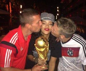 Rihanna: Hat sie den WM-Pokal entehrt?