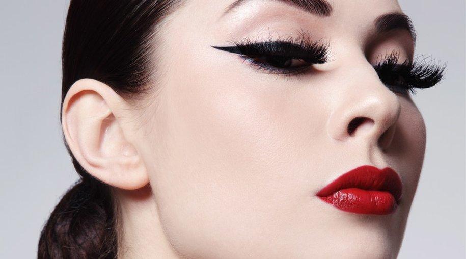 Model mit Eyeliner